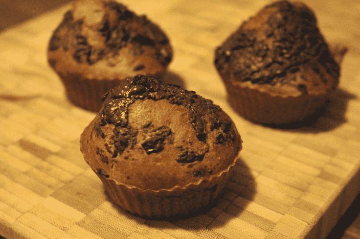 Deze heerlijke muffins met chocolade uit de Airfryer zijn ook nog eens redelijk verantwoord. De muffins zijn gezoet met bananen en bevatten een hoop vezels om een gevuld gevoel te geven.  Recept: http://www.airfryerweb.nl/recepten/verantwoorde-chocolademuffins/