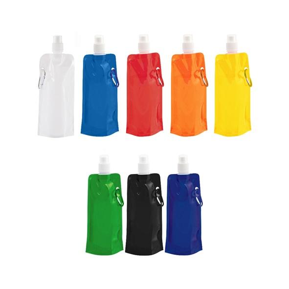 COD.TT023 Botella de Plástico Biodegradable PET, con Mosquetón para colgar. Producto libre de BPA. Liviana y flexible, ideal para llevar a cualquier lugar, ya que vacía se puede plegar para transportar incluso dentro del bolsillo. Capacidad: 480 CC.
