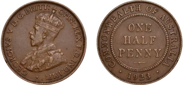 1923 eight pearls and full centre diamond, the seventh and eighth pearls fused else VF