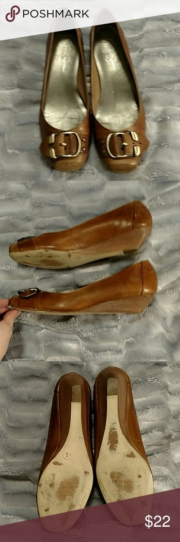 Jessica Simpson tan Buckle wedge shoes 9 m Gently worn Leather Jessica Simpson Shoes Wedges