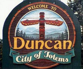 Duncan, B.C. - City of totems (Three of my five children were born in the hospital here)