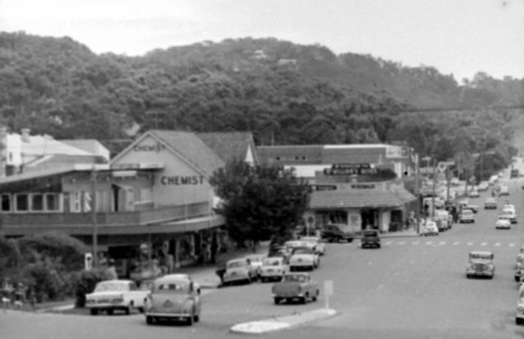 Avalon Parade around mid 1960's. Taken from Narrabeen Renunions and Northern Beaches (Chris Lawrence).