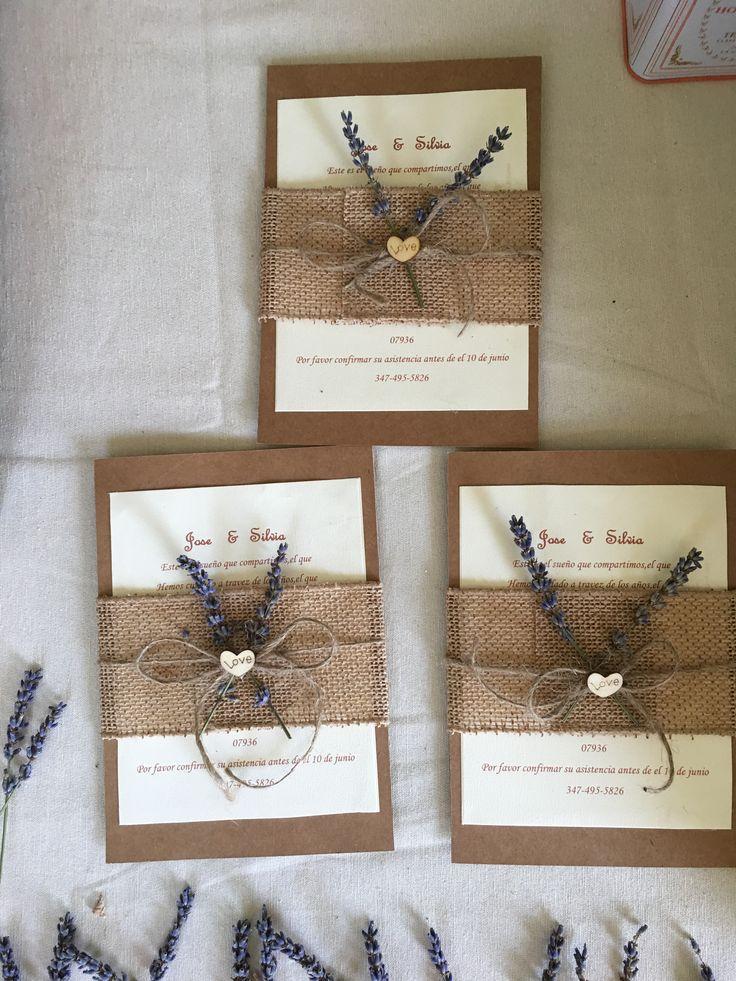 Invitaciones de boda rústicas  lavander y burlap hechas a mano