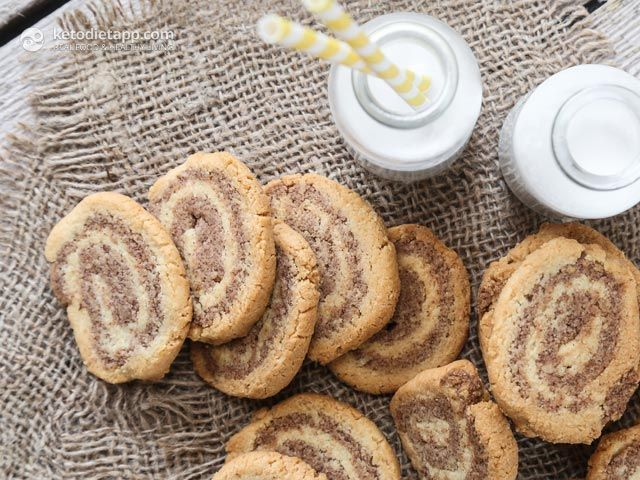 Keto Cinnamon Swirl Cookies (low-carb, paleo festive cookies)