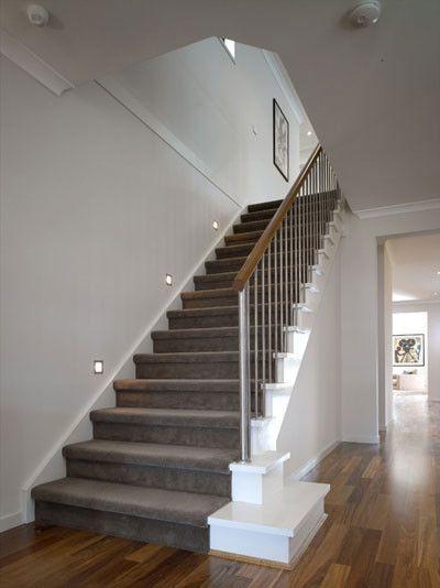 die besten 25 treppen mit gestreiftem tepoich ideen auf. Black Bedroom Furniture Sets. Home Design Ideas