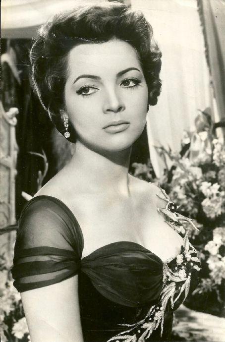Sara Montiel.