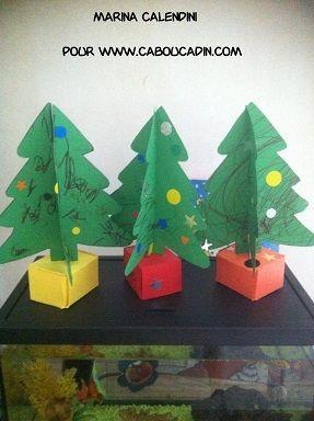 Fabriquer un sapin de Noël en 3D avec du carton  #bricolage #noel #Noel #maternelle #caboucadin #activité