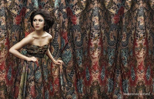 Wallpaper Fashion Batik | indonesiakreatif