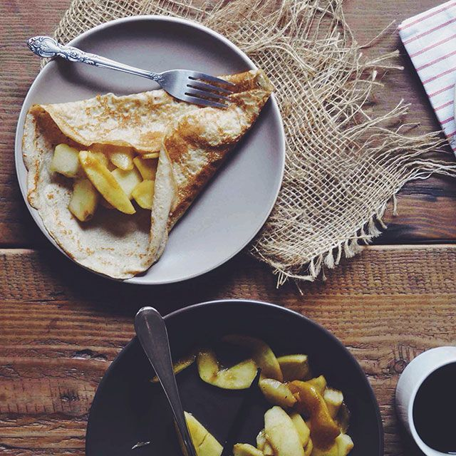 Crpes with Vanilla Maple Apples