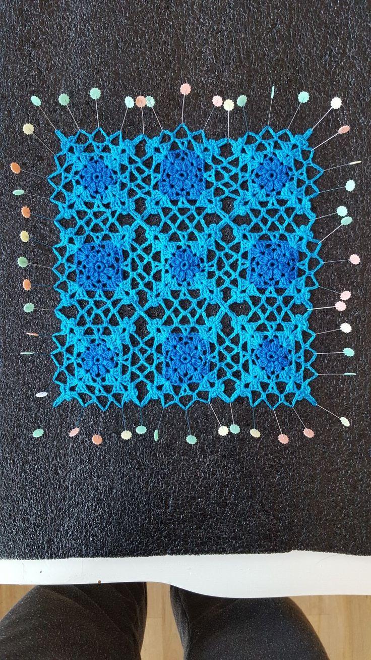 Julia Square doily. Pattern: crochetmillan