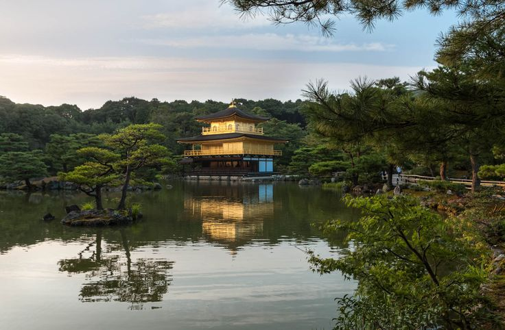 The Kinkakuji temple in Kyoto - This photo is published under Creative Commons Attribution-NonCommercial 3.0 license. #japan #kyoto #travel #travelphotography #wanderlust #kinkakuji #temple #金閣寺 #京都 #日本
