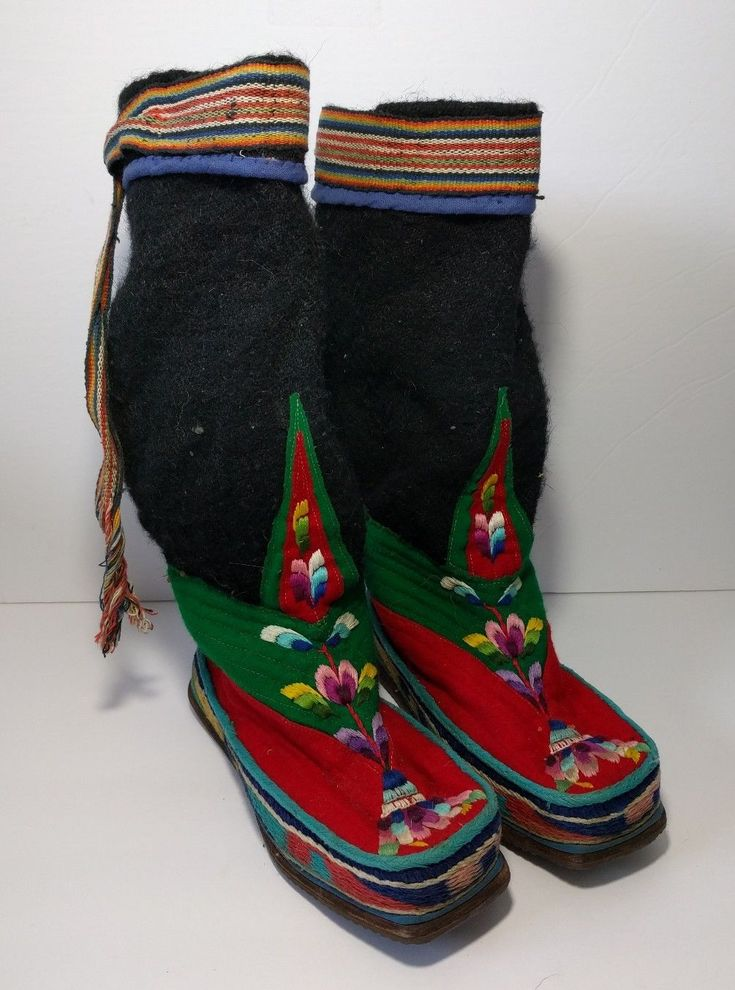 Vintage Handmade Tibetan Wool Embroidered Boots Womens 9 Floral Hippie Boho