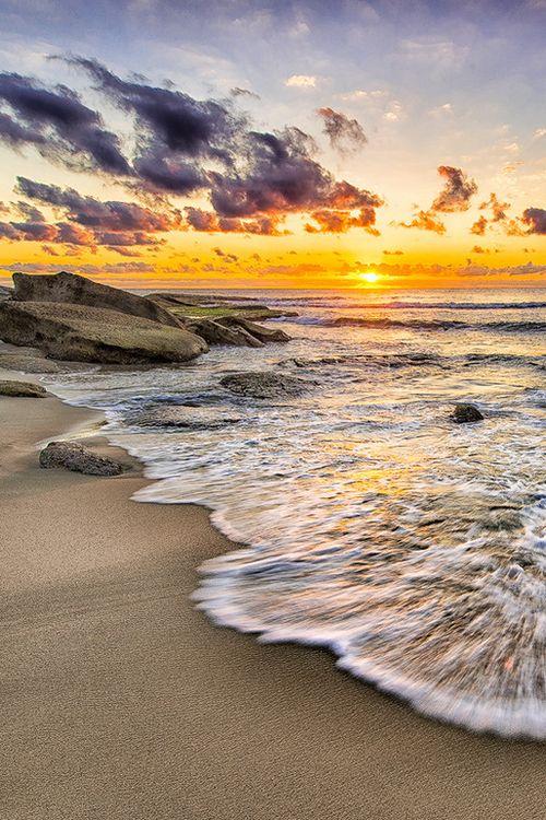 Sunrise at Tamarama, Sydney (by Shane Arrold on 500px)