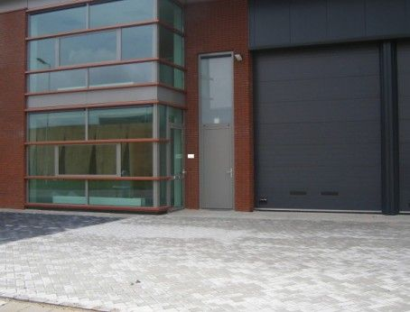 Bedrijfsruimte met kantoorruimte te huur in Hoogvliet aan de Beurtschipperstraat 104 & 106.  Bepaal geheel vrijblijvend uw eigen huurprijs en kom direct in onderhandeling met de eigenaar.   http://www.huurbieding.nl/huur/bedrijfsruimte/1-00999/hoogvliet/beurtschipperstraat-104.html  #bedrijfsruimte #kantoorruimte #tehuur #hoogvliet #mkb #opslag #bieden #huurprijs #huurbieding #vastgoed #rotterdam #ondernemers #gezocht #huren