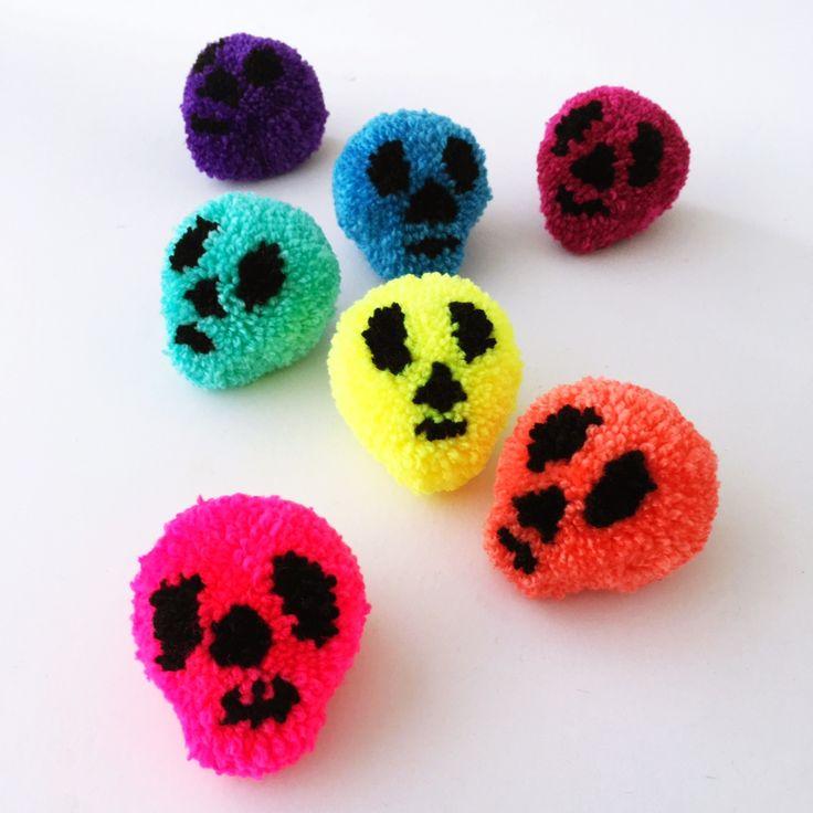 halloween pompom skulls sewyeah - Halloween Pom Poms