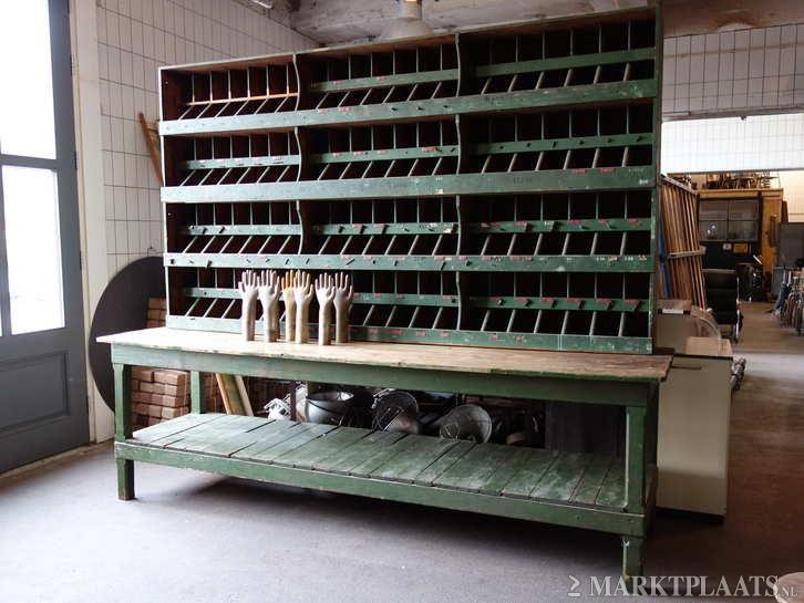 Marktplaats.nl > Industriële vakkenkast/vintage bureau/winkelinrichting/groen - Huis en Inrichting - Kasten | Wandmeubels