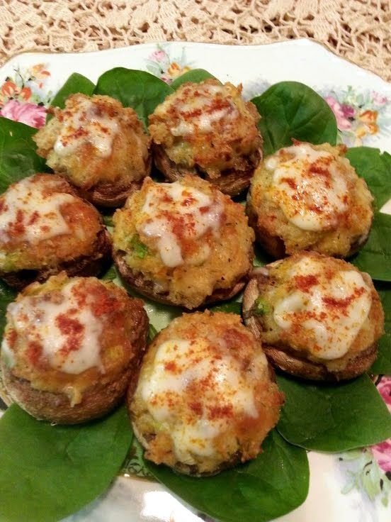 Crab stuffed mushrooms, Stuffed mushrooms and Crabs on Pinterest