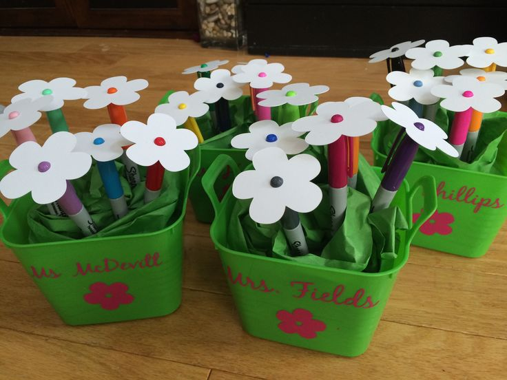 Teacher gift.  teacher appreciation week.  neighbor gift.  Thanks for making me a SHARPIE!  Thanks for helping us BLOOM this year!  #myhellodesigns #typicalsuburbanfamily #teachergift