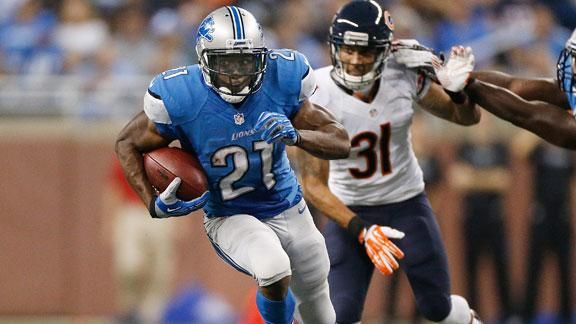 Reggie Bush Runs For 140 yards against the Bears