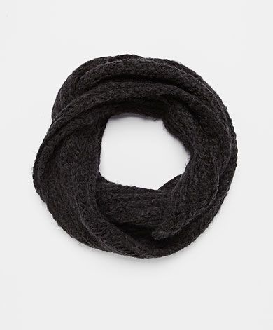 Scarves and hats - OYSHO