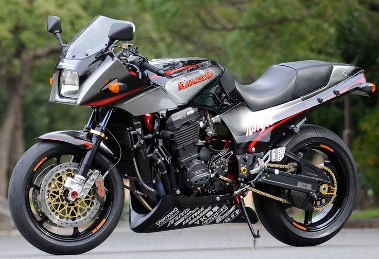 RCM-066 / GPz900R
