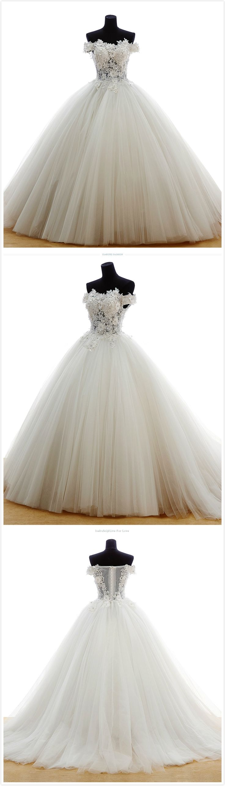 Bridal gown made of tulle with embroidered and floor length organza by hand! #wedding dresses #bridal gown