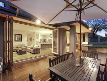 Outdoor living design with balcony from a real Australian home - Outdoor Living photo 145388