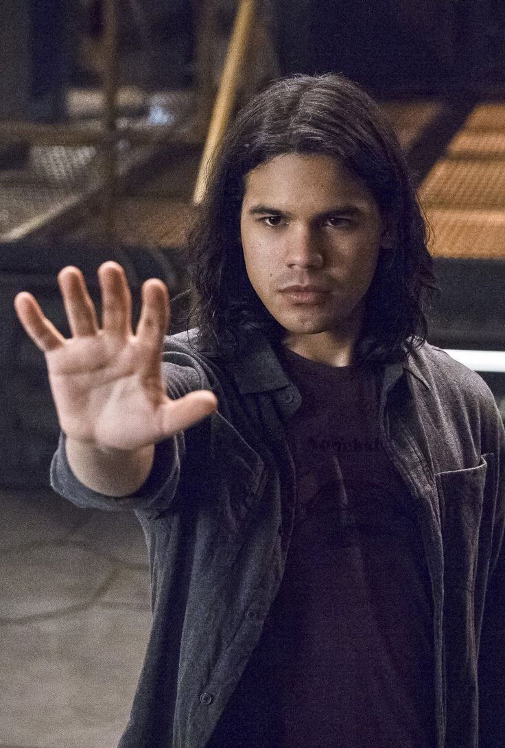 The Flash 2x18 - Cisco Ramon (Carlos Valdes) HQ my boo
