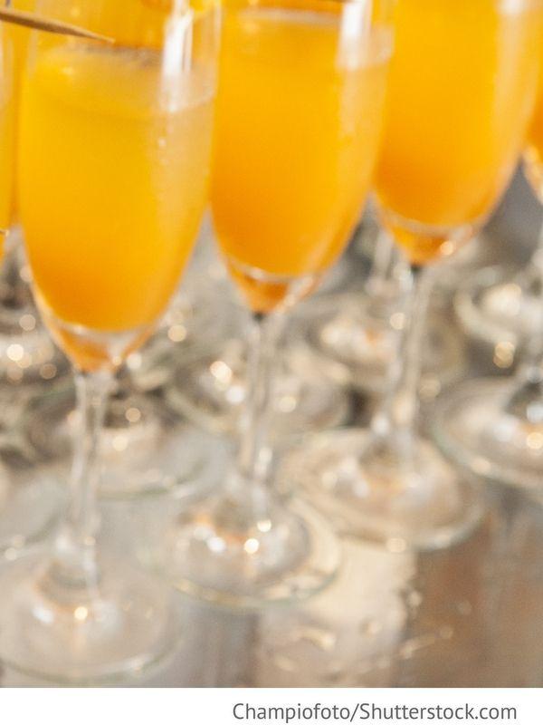 Sekt mit Orangensaft Apelsinovoje schampanskoje - Апельсиновое шампанское - Russische Rezepte