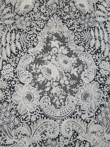 Maria Niforos - Fine Antique Lace, Linens & Textiles : Antique Lace # LA-268 Exquisite 19th C. Brussels Lace Veil w/ Point De Gaze