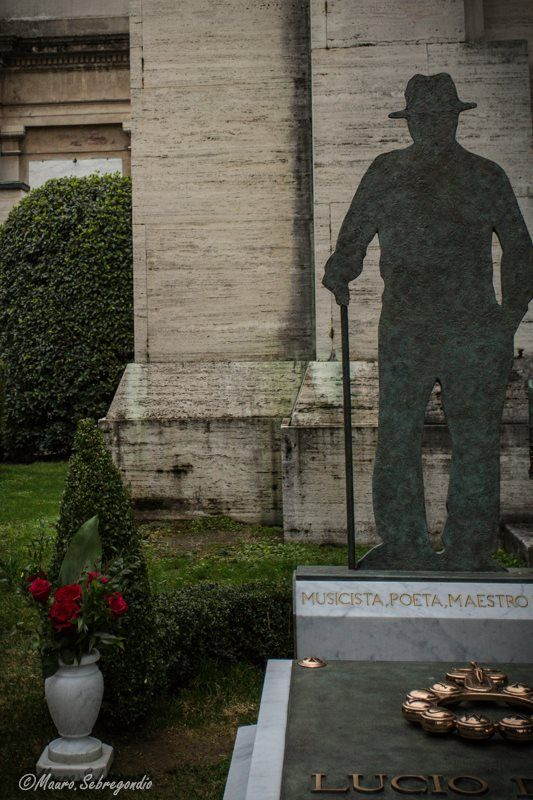 Bologna, la tomba di Lucio Dalla, foto di Mauro Sebregondio