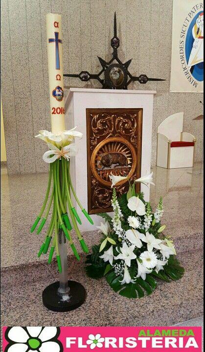 Decoración cirio elaborado por Floristeria Alameda en Cartagena