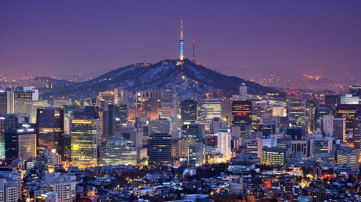 낮과는 다른 밤의 모습, 아름다운 도시 야경 모음! 긴 말 필요 없죠! 오늘은 전세계 아름다운 도시 야경들을 모아 봤습니다. 낮에 볼 때와는 또다른 매력이 느껴지는 아름다운 도시 야경들을 감상해 보세요 :)  대한민국 서울 (Seoul, KOREA)  태국 방콕 (Bangkok, THAILAND)  중국 홍콩 (Hong Kong, CHINA)  터키 이스탄불 (Istanbul, TURKEY)  말레이시아 쿠알라룸푸르 (Kualalumpur, MALAYSIA)  미국 맨하탄 (Manhattan, USA)..