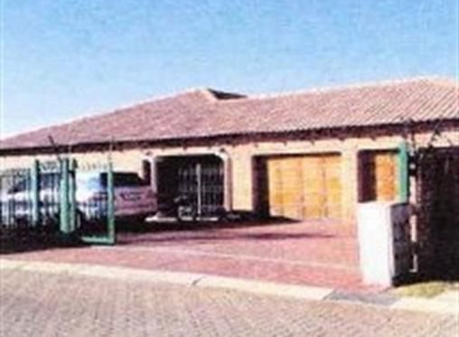 4 Bedroom House for sale in Heatherview, Pretoria R 1074000 Web Reference: P24-101302684 : Property24.com