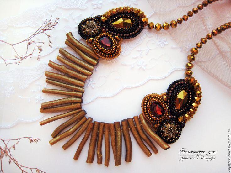 Купить Колье вышитое с кораллом «Золотой век» - золотой, Вышивка бисером, шикарное украшение