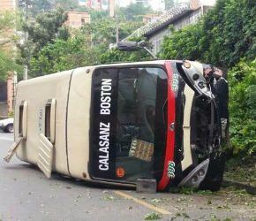 Cuatro heridos dejó accidente de tránsito en Medellín - Radio Santa Fe