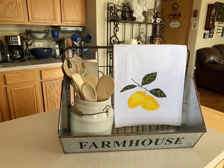 Lemon kitchen towel handmade, lemon bathroom towel, flour sack dish towel, mothers day from daughter, best selling items, modern farmhouse