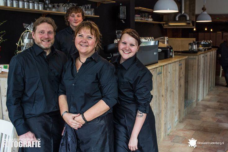 Geertruidenberg is weer een lunchroom rijker: Ons Petries  Koffie, thee, lekkere broodjes, zoet gebak, salades, soep, wijn of bier met een kaasplankje