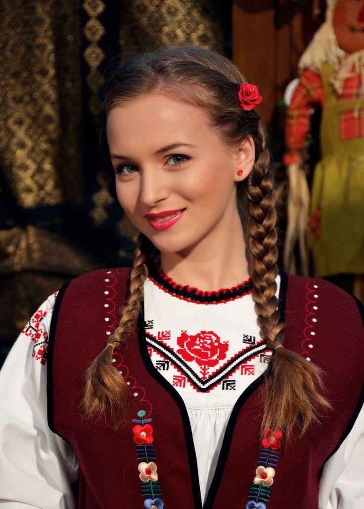 Costum popular din Dobrogea Adriana Sofica