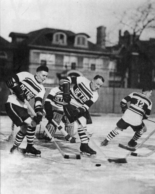 Vintage pond hockey #hockeyPonds Hockey, Nhl Alumni, Vintage Ponds, Vintage Hockey, Wings Hockey, Red Wings, Schools Ponds, Detroit Red, Hey Hockey