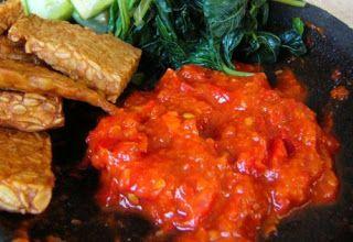 resep cara membuat sambal tomat http://resepjuna.blogspot.com/2016/05/resep-sambal-tomat-mentah-enak-masa.html masakan indonesia