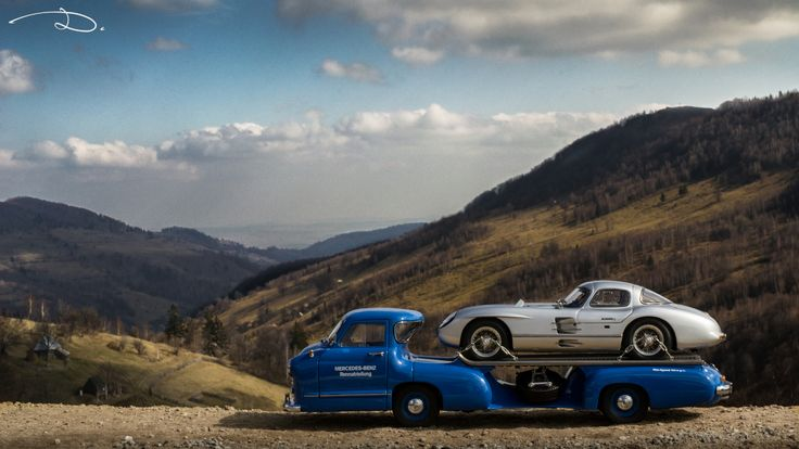 Mercedes-Benz Renntransporter + Mercedes-Benz 300SLR Uhlenhaut Coupe, both made by CMC in 1:18th scale.