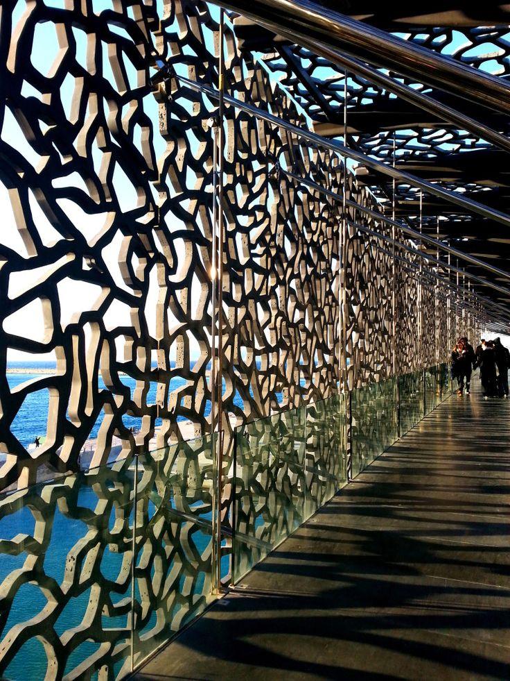 Treillis beton mucem favorite places spaces - France pare brise marseille ...