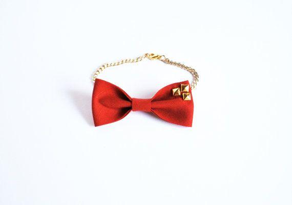 Red bracelet/ Bracelet bow/ cotton/ by UnaViolaSulBalcone on Etsy