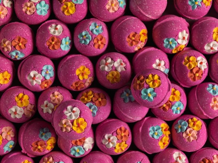 Think Pink bath bomb... NZ $6.50 / AU $5.50