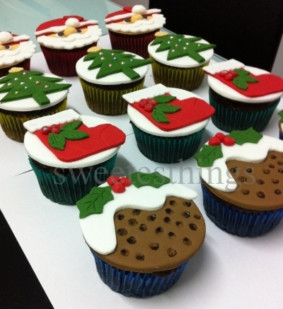 Christmas Cupcakes 2011 By sweetesthings on CakeCentral.com