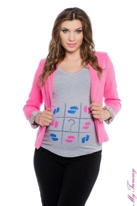 Pregnancy t-shirt with a Tic Tac Toe feet