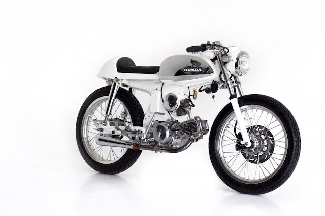 A bike need not be big to be beautiful. This Honda S90 is a peach.