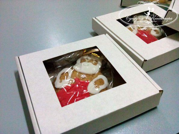 Коробка для пряников с окошком