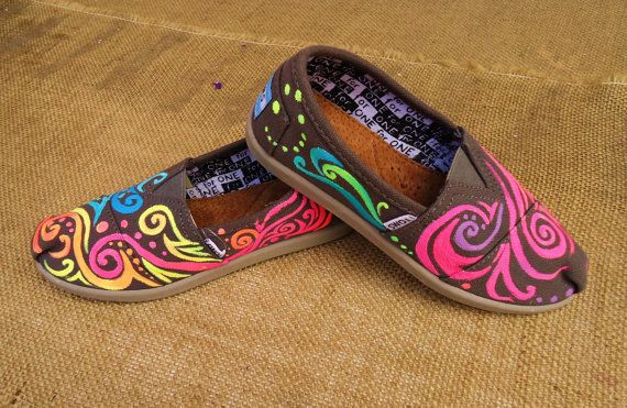 """""""Girly"""" Toms"""